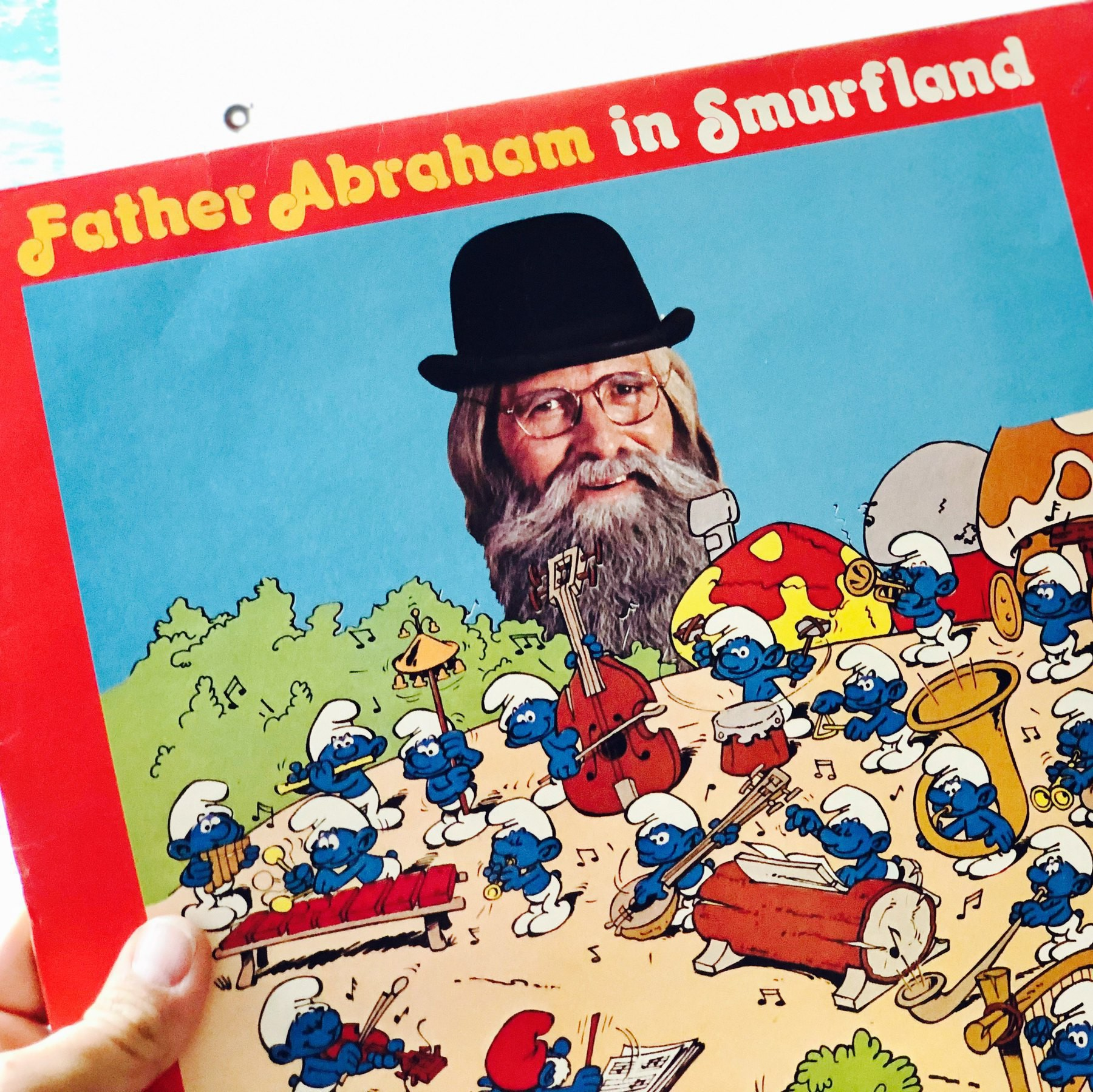 the sleeve of the 1978 album Father Abraham in Smurfland.